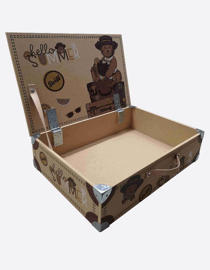 Nachhaltige Warenpräsentation Holzkoffer mit Steiff-Logo und Aufdruck